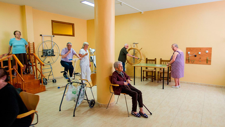 desarrollo de movilidad en nuestro gimnasio en residencia zarzuela en la comunidad de Castilla-La Mancha fisioterapia para ancianos