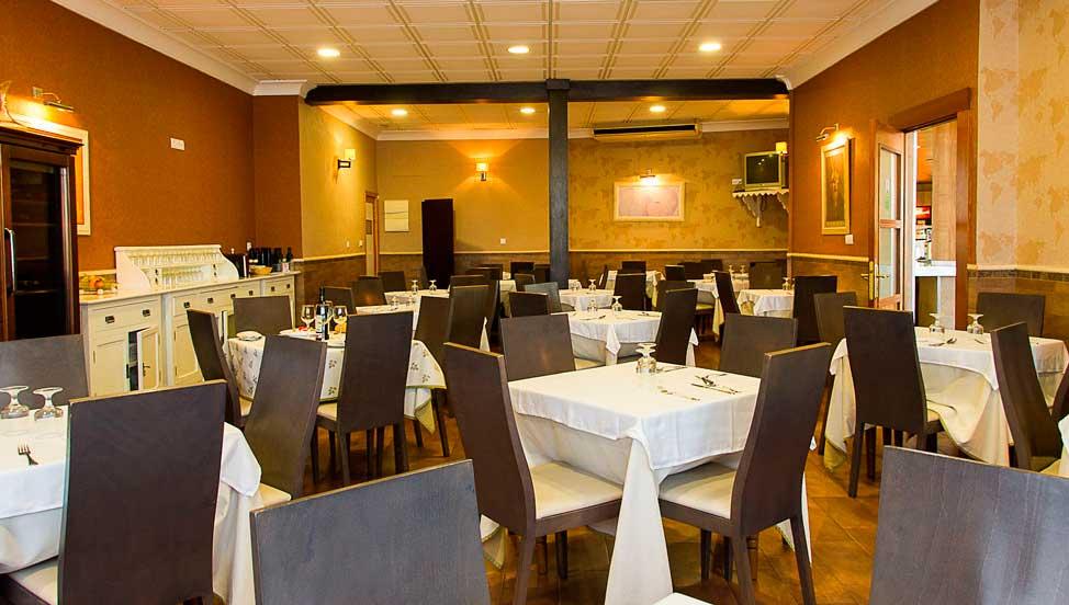 restaurante de la residencia para disfrutar con la familia en la comunidad de Castilla-La Mancha