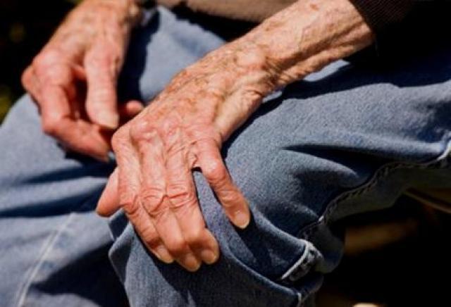 Artrosis en los ancianos: cómo aliviar el dolor