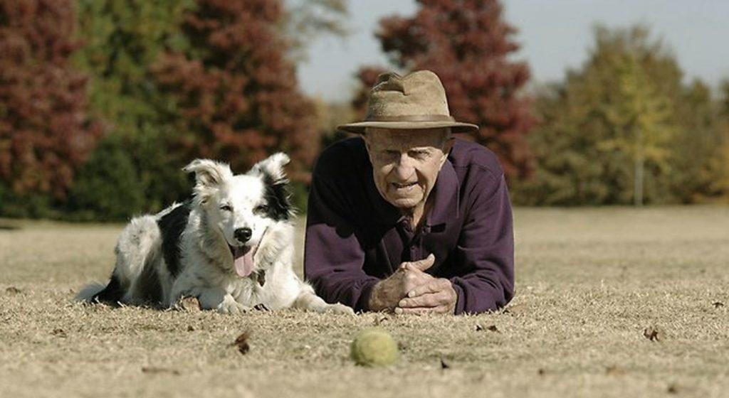 Los animales de compañía y las personas mayores