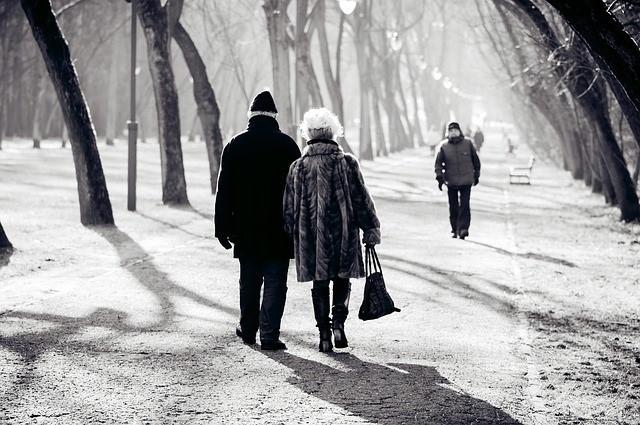 Cómo combatir el frío en ancianos