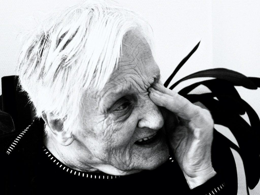 comportamiento agresivo en personas mayores