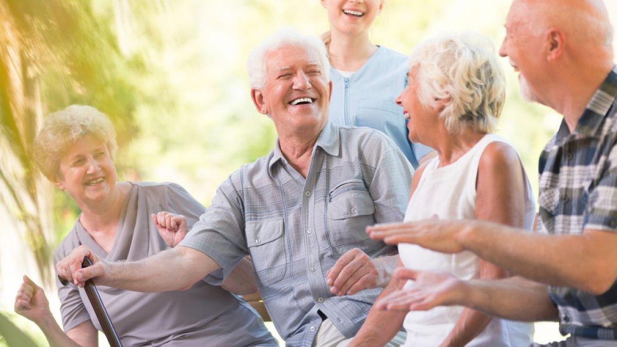Mantener relaciones con amistades mejora la salud mental