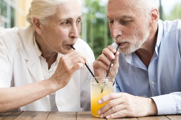 Importancia-hidratación-adultos mayores