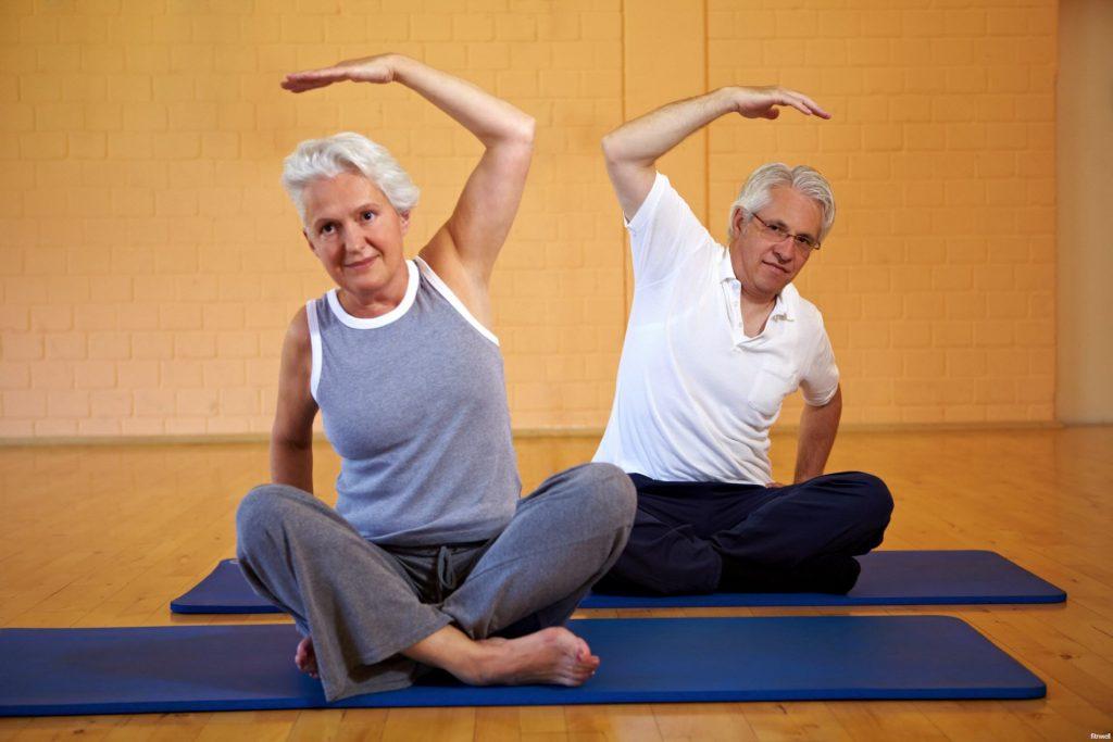 Beneficios de yoga para personas mayores