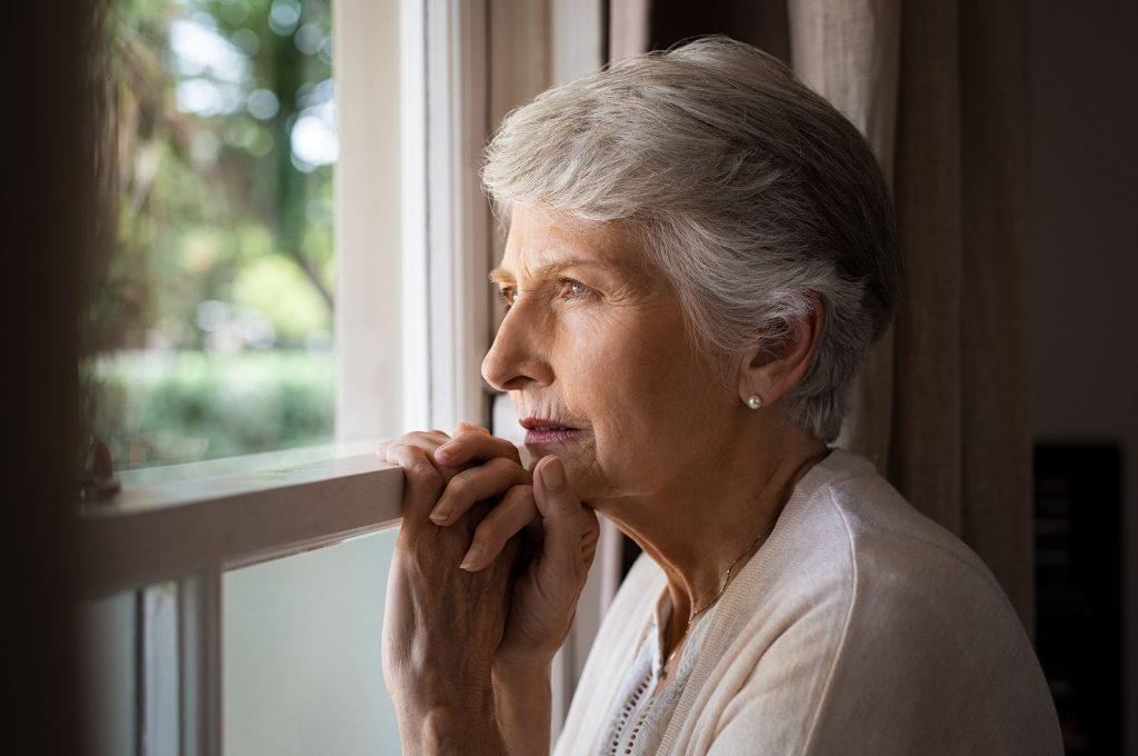 soledad ancianos mujer